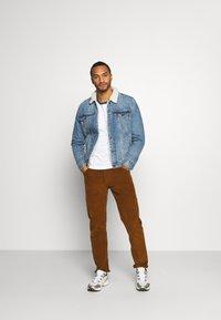 Burton Menswear London - LONG SLEEVE RAGLAN 2 PACK - Long sleeved top - off white - 0