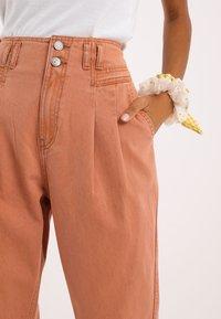 Pimkie - Straight leg jeans - rot - 3