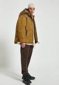 PULL&BEAR - Winter jacket - yellow - 1