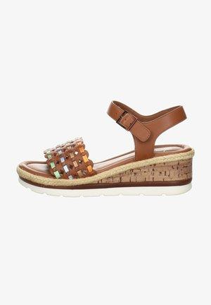Wedge sandals - brown