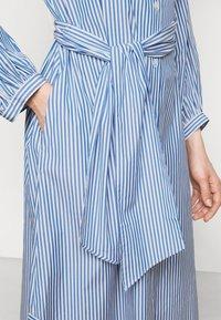 WEEKEND MaxMara - RAGAZZA - Robe chemise - azurblau - 6