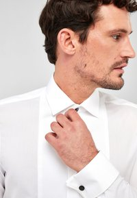 Next - BIB FRONTED DRESS SHIRT - Camicia elegante - white - 2