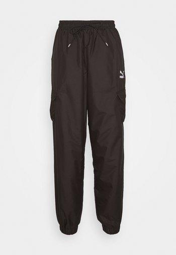 CLASSICS UTILITY PANTS - Tracksuit bottoms - black