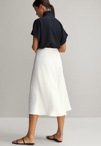 Massimo Dutti - FLIESSENDER - A-line skirt - white - 2