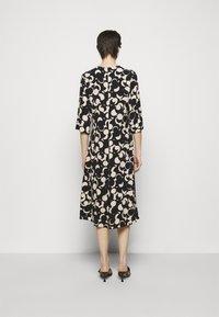 Marimekko - PEILAUS MURIKAT DRESS - Denní šaty - black/beige - 2