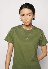 Holzweiler - SUZANA - T-shirt print - army - 3