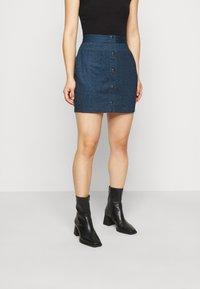 Even&Odd Petite - Pouzdrová sukně - dark denim - 0