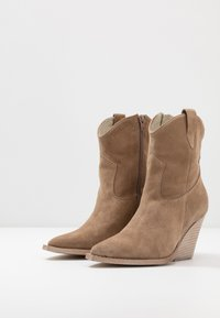Lazamani - High heeled ankle boots - taupe - 4