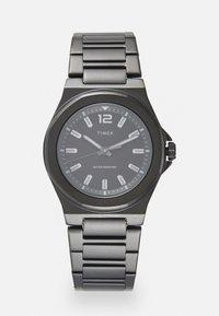 Timex - ESSEX AVENUE THIN UNISEX - Watch - black - 0
