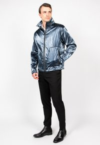 Freaky Nation - STEELBASE - Windbreaker - steel blue - 1