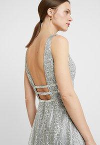 Luxuar Fashion - Společenské šaty - silber grau - 6