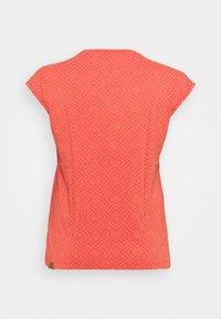 Ragwear Plus - DIONE - T-shirt print - chili red - 6
