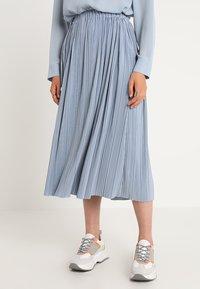 Samsøe Samsøe - UMA SKIRT - Pleated skirt - dusty blue - 3
