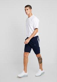 Jack & Jones - JJIRC PETE - Shorts - maritime blue - 1