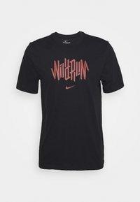 DRY TEE WILD RUN - Camiseta estampada - black