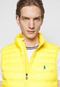 Polo Ralph Lauren - TERRA VEST - Waistcoat - yellowfin - 4