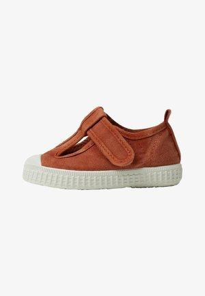 AURORA - Touch-strap shoes - orange brûlé