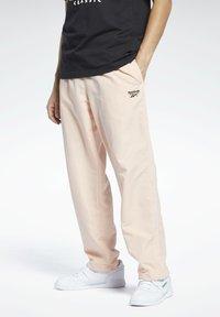 Reebok Classic - CLASSICS TRACKSUIT BOTTOMS - Pantaloni sportivi - orange - 0