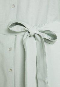 Forever New Curve - SEPS SHIRT DRESS - Košilové šaty - soft sage - 6