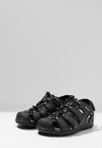 Geox - UOMO STRADA - Sandalias de senderismo - black - 2
