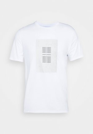 ARTWORK IN PROGRESS - T-shirt z nadrukiem - whi/canv/blk