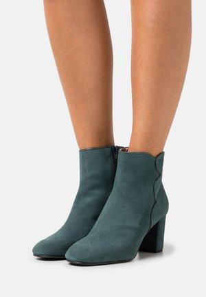 Ankle boots - serraje petrol/etoile cosmos