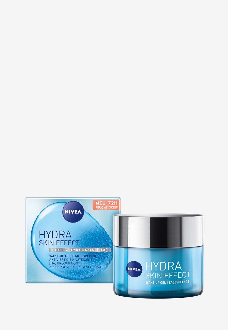 Nivea - HYDRA SKIN EFFECT WAKE-UP GEL DAY CARE - Face cream - -