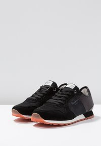Pepe Jeans - VERONA NEW SEQUINS - Trainers - black - 4
