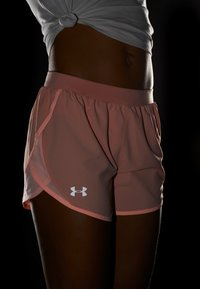 Under Armour - FLY BY SHORT - Sports shorts - calla/peach frost - 3