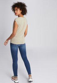Morgan - Print T-shirt - dark brown - 2