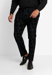 Twisted Tailor - KATRIN FLORAL FLOCK SUITPLUS - Suit - charcoal - 4