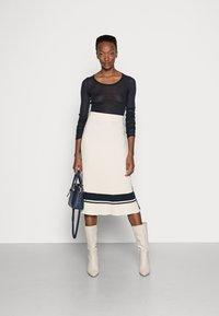 GANT - VARSITY SKIRT - Pencil skirt - cream - 1