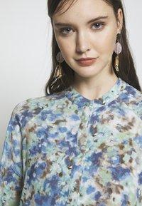 mbyM - MARRANIE - Vapaa-ajan mekko - taylor mint print - 6