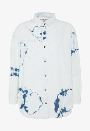 BLANCA - Skjorte - bleach tie dye denim