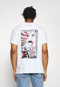 Night Addict - BUYA - T-shirt z nadrukiem - white - 0