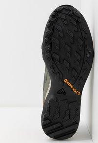 adidas Performance - TERREX AX3 - Hikingsko - legend green/core black/glow blue - 4