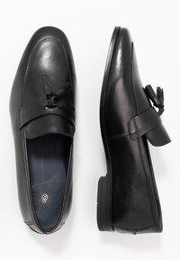 Burton Menswear London - WYATT - Elegantní nazouvací boty - black - 1