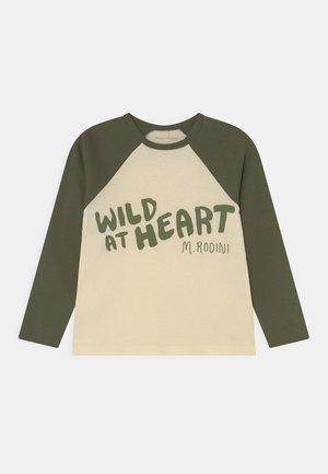 WILD AT HEART RAGLAN TEE UNISEX - Long sleeved top - green