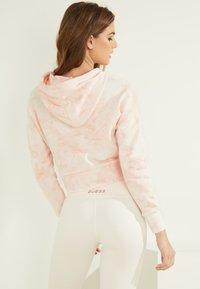 Guess - Sweatshirt - rose - 1