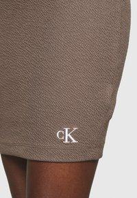 Calvin Klein Jeans - SLUB MINI SKIRT - Pencil skirt - dusty brown - 4