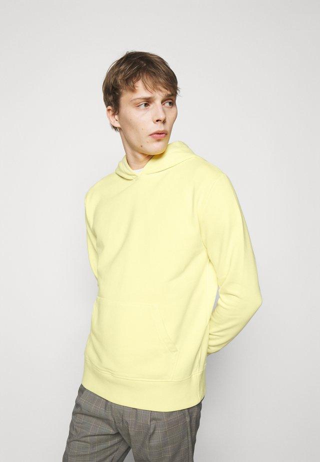 TONI - Hoodie - yellow