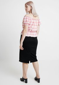 New Look Curves - CHECK MILKMAID - Triko s potiskem - pink - 3