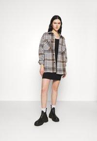 ONLY - ONLELLENE VALDA CHACKET - Classic coat - chipmunk - 1