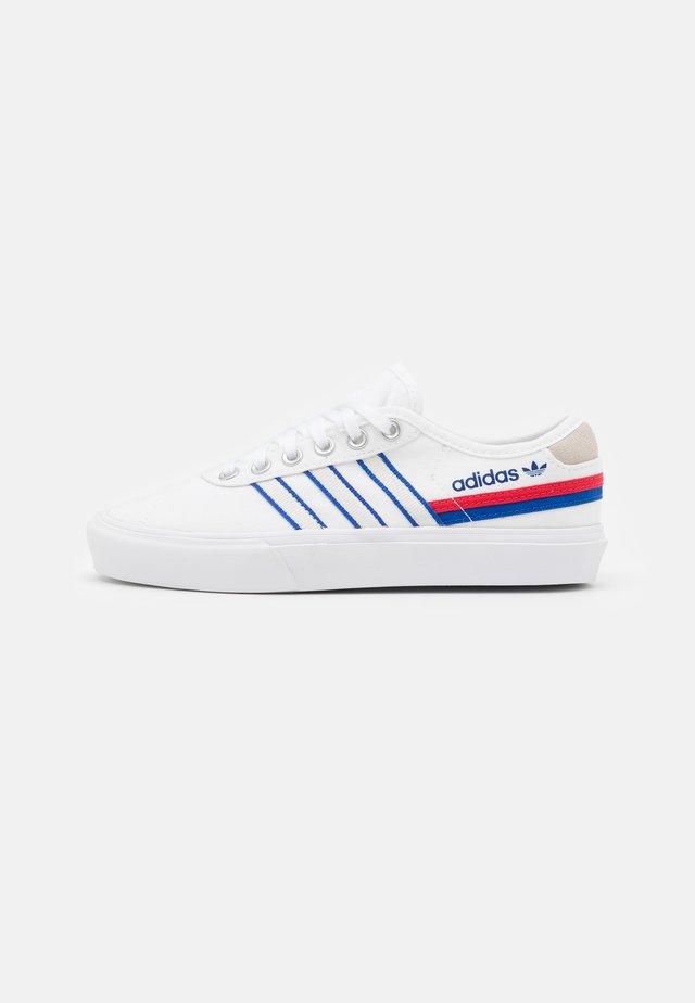 DELPALA SHOES - Sneakersy niskie - footwear white/scarlet/royal blue
