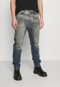 Diesel - D-VIDER - Relaxed fit jeans - medium blue - 0