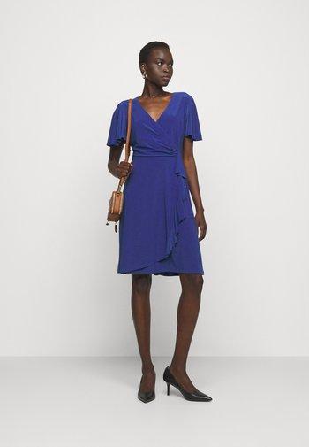MID WEIGHT DRESS - Jersey dress - sporting royal
