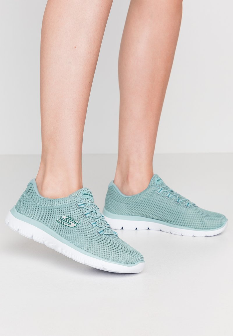Skechers Sport - SUMMITS - Sneakers laag - sage/white
