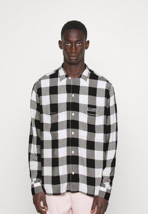 HILLCREST SHIRT - Shirt - white/black
