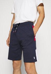 Polo Ralph Lauren - Pantalon de survêtement - cruise navy/multi - 3