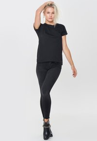 JDY - JDYLOUISA LIFEFOLD UP TOP - T-shirts - black - 1